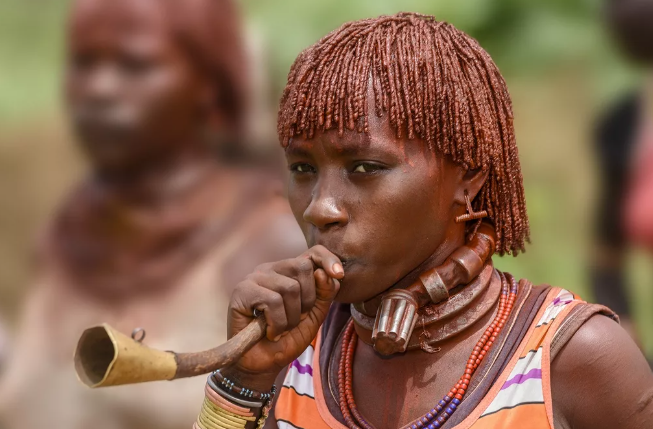 Племя хамар женщины