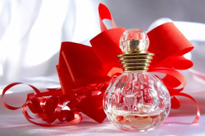 Духи в подарок