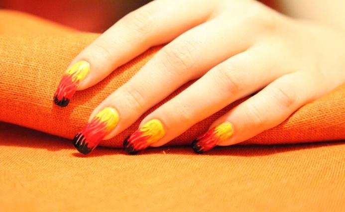 Рисунки на ногтях для начинающих. Дизайн ногтей с рисунком, идеи.