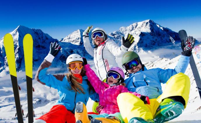 Катание на лыжах на Красной поляне